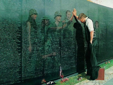 Powerful-vietnam-memorial-image_380px