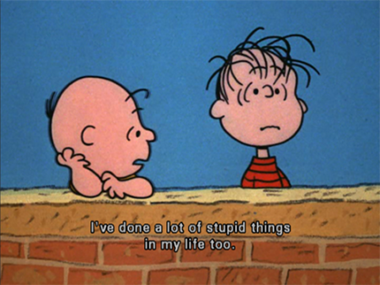13 Charlie Brown consoles stupid Linus_380px